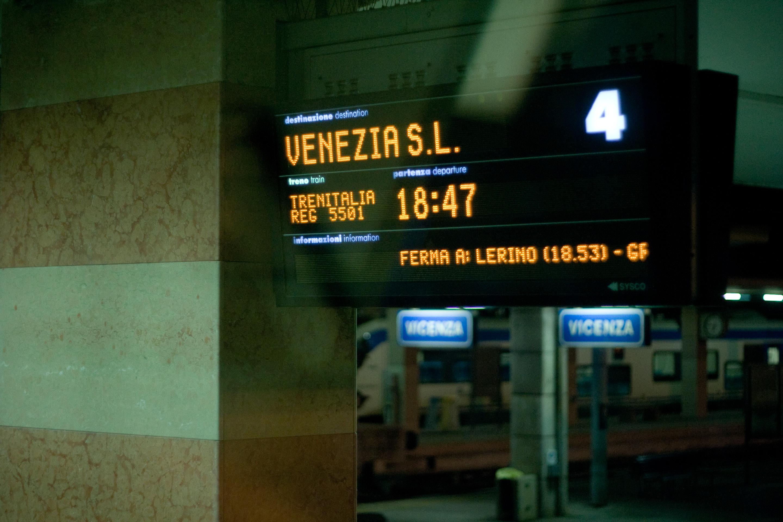 38 · Treno regionale Click to view previous post