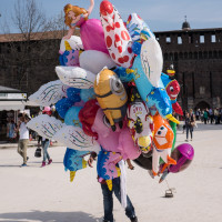 278 · Balloon man
