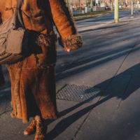 359 · Coat lady